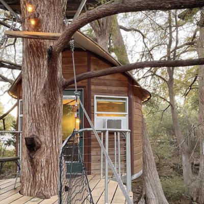Treehouses_CypressValley